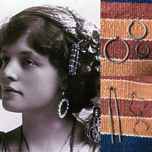 Vintage Jewelry - Single Gypsy Hoops